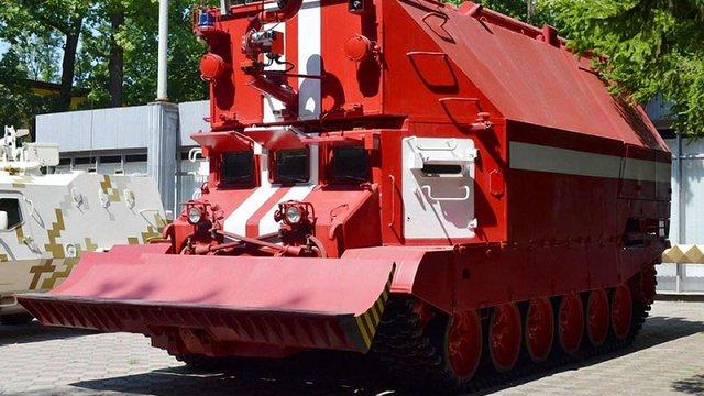 «Львівський бронетанковий завод» успішно випробував новий пожежний танк