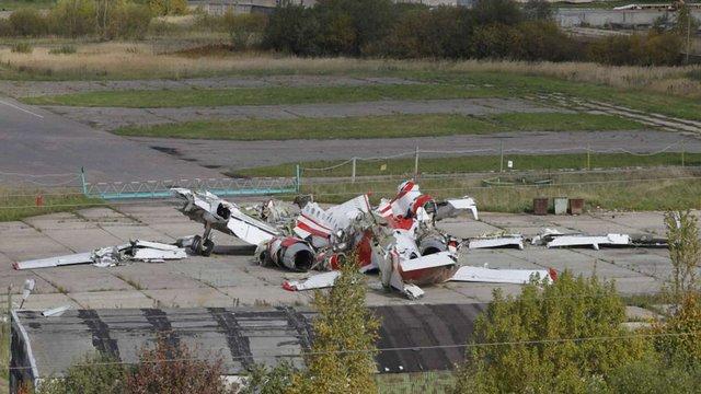Міноборони Польщі заявило, що літак Качинського розвалився в повітрі