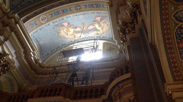 Для Преображенської церкви у Львові відреставрували центральний вітраж