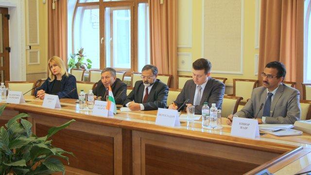 Індія зацікавилася інвестиціями в альтернативну енергетику України