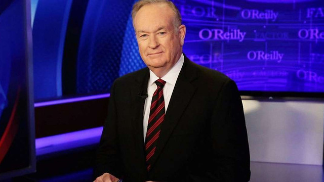 Ведучого Fox News, який назвав Путіна вбивцею, звільнили з телеканалу за сексуальні домагання
