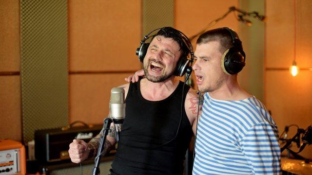 Кіборг та фронтмен гурту Kozak System разом записали пісню