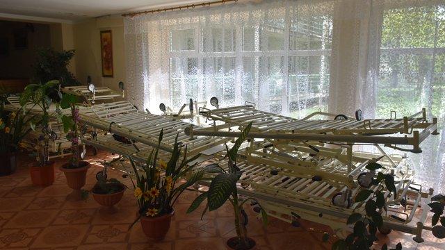 Львівський геріатричний пансіонат отримав нові багатофункціональні ліжка