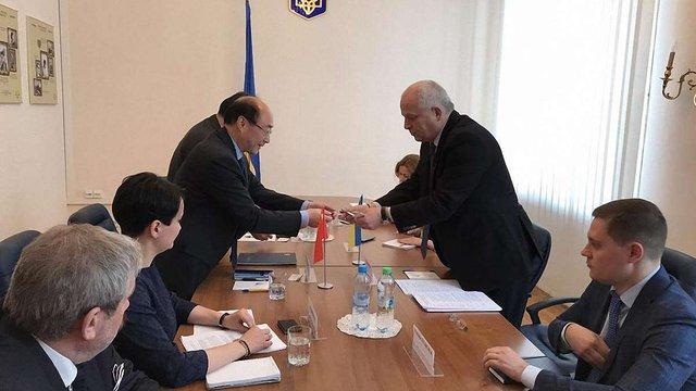 Степан Кубів запропонував китайцям побудувати нову гілку метро і міст у Києві