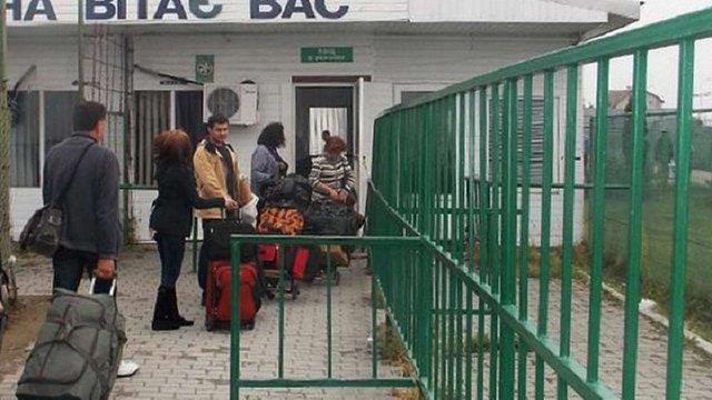 На Львівщині працівники військкоматів на кордоні вручатимуть повістки призовникам