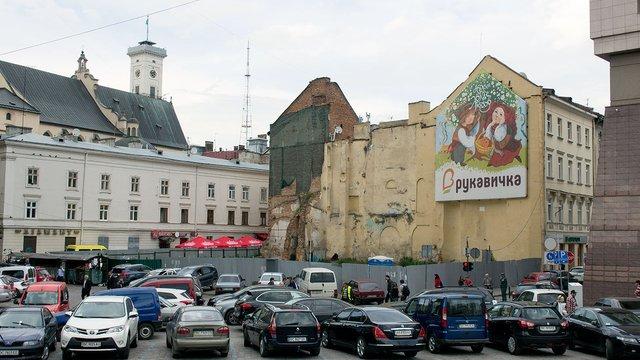 Кількох відомих львівських митців виключили зі НСХУ за «порушення моральних норм»