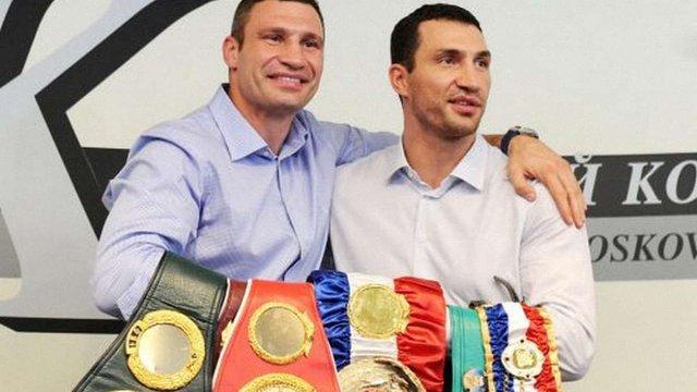 Віталій Кличко впевнений, що його брат нокаутує Ентоні Джошуа