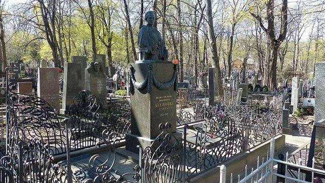 У Києві затримали злодія, який сплюндрував могилу Лесі Українки