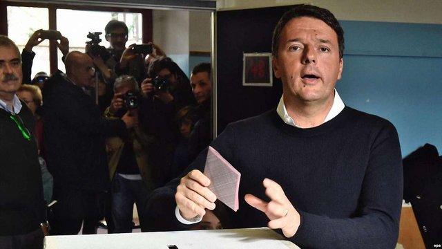Екс-прем'єра Італії Маттео Ренці переобрали лідером правлячої партії