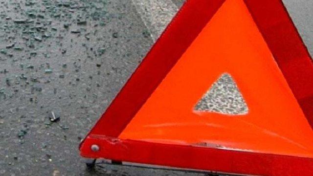 У Жовківському районі чоловік загинув під колесами авто