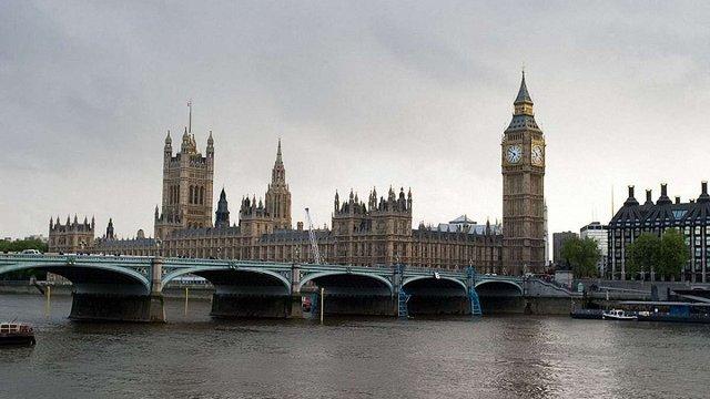 У Великобританії через дострокові вибори розпустили парламент