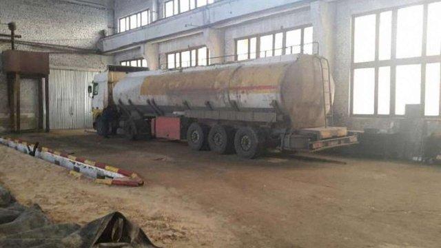 Справу щодо групи викрадачів більше 100 тонн нафтопродуктів передали до суду