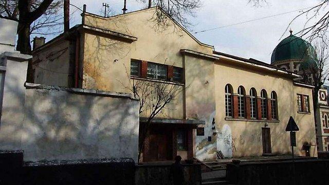 Судові виконавці виселили Російський культурний центр з орендованого будинку