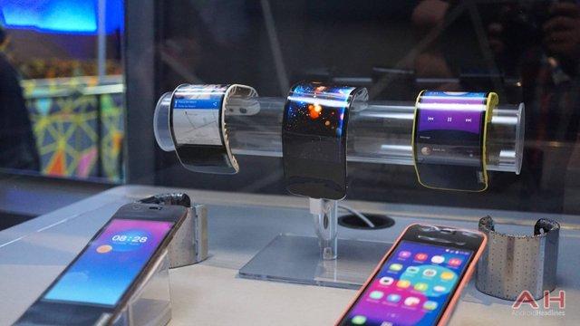 Samsung запатентувала циліндричний смартфон з гнучким дисплеєм