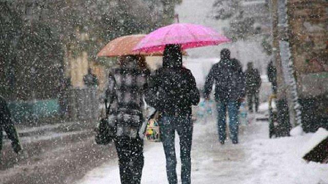 На Львівщині прогнозують мокрий сніг та ожеледицю