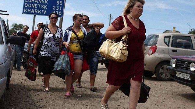 Чверть вимушених переселенців в Україні не планують вертатися на старе місце проживання