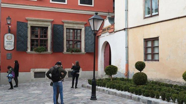 У Львові після капітального ремонту презентували подвір'я Вірменського Собору