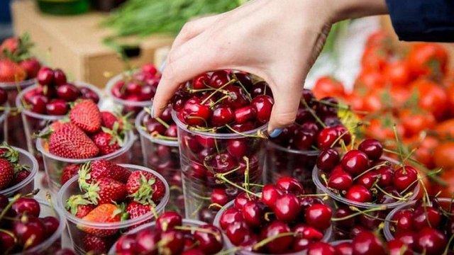 Україна торік збільшила експорт черешень, абрикосів, вишень та слив