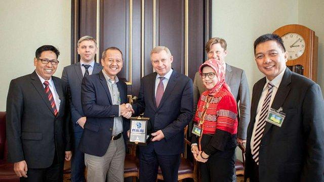 Індонезія хоче друкувати гроші у Нацбанку України