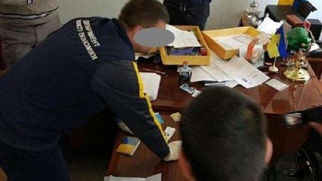 На Одещині голову РДА і його спільницю заарештовали за хабарництво