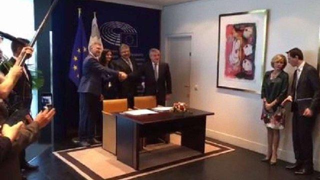 Голова Європарламенту підписав рішення про безвізовий режим для України