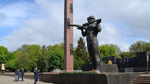 У Львові створили робочу групу по можливому демонтажу Монументу Слави