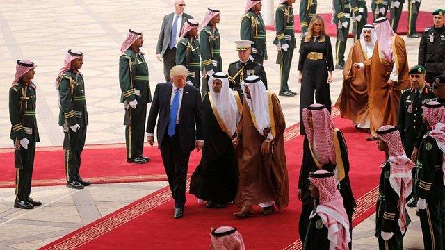 США та Саудівська Аравія домовилися про постачання зброї на $100 млрд