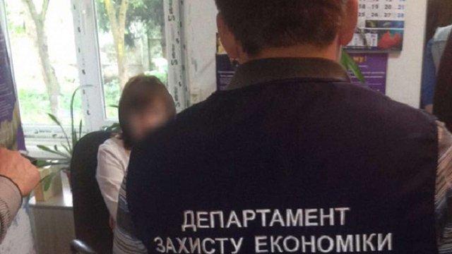 На Івано-Франківщині затримали лікарку, яка організувала схему отримання грошей від пацієнтів