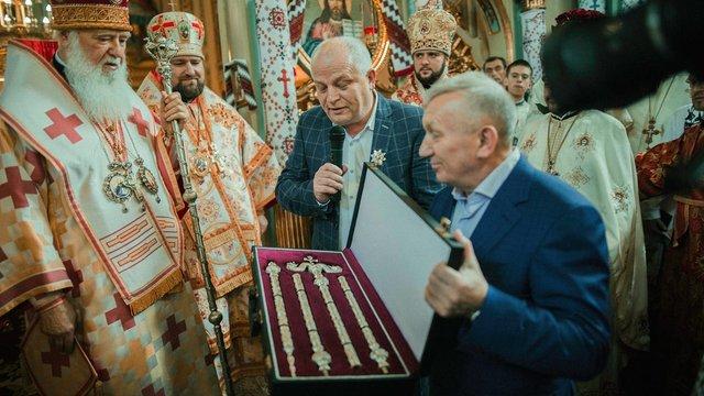 Як Пісний і патріарх Філарет обмінялися подарунками. Фоторепортаж