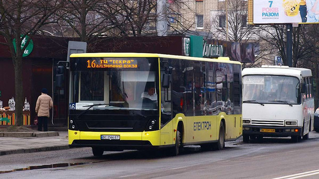 До кінця тижня АТП-1 отримає від «Електронтрансу» ще сім автобусів