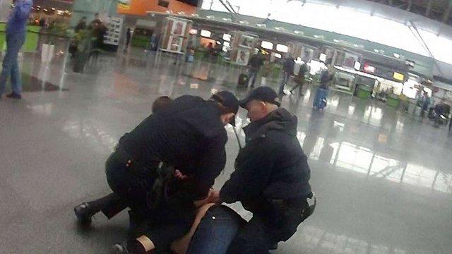 У «Борисполі» затримали колишнього податківця, який намагався втекти з країни