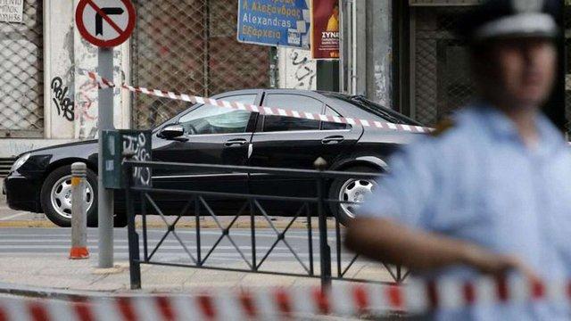 Екс-прем'єр Греції був поранений після вибуху в його автомобілі