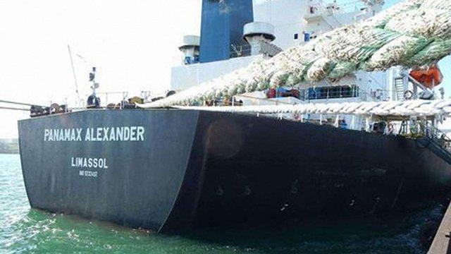 В Україну прибув перший корабель з антрацитовим вугіллям із ПАР