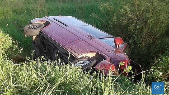 На Волині авто із п'ятьма пасажирами злетіло у кювет