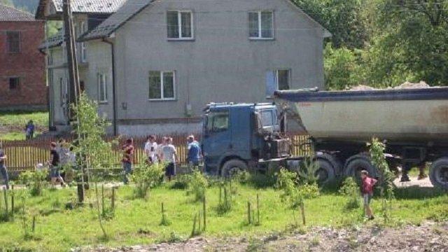 На Старосамбірщині люди протестували проти будівництва вітрових електростанцій