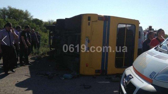 На Запоріжжі у ДТП з маршрутним автобусом постраждали 32 людини