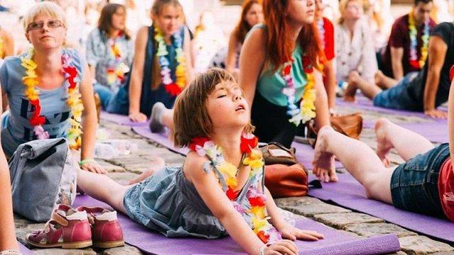 У парку Івана Франка для львів'ян проводитимуть безкоштовні заняття з йоги