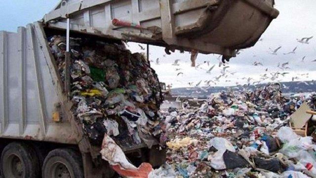 Львівських перевізників сміття викрили на відмиванні грошей з бюджету Львова