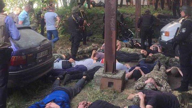 На Вінниччині поліція затримала 42 нападників на агроферму