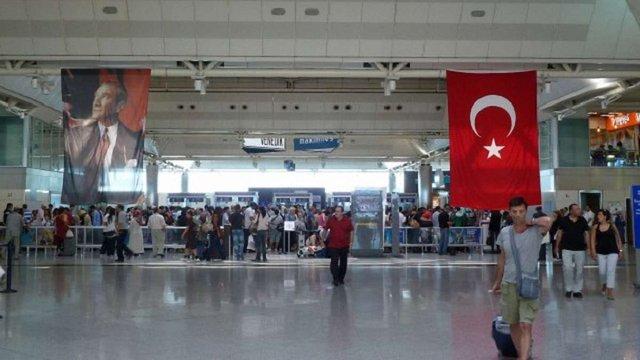 Від 1 червня українці можуть їздити до Туреччини без закордонного паспорта