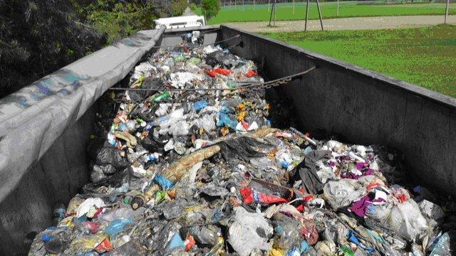 На Волині суд оштрафував киянина за самовільне скидання львівського сміття
