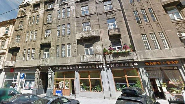 Вночі у центрі Львова 20-річний хлопець вистрибнув з вікна п'ятого поверху