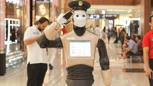 У Дубаї заступили на службу поліцейські роботи