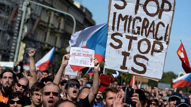Чеський уряд відмовився приймати біженців за квотами ЄС