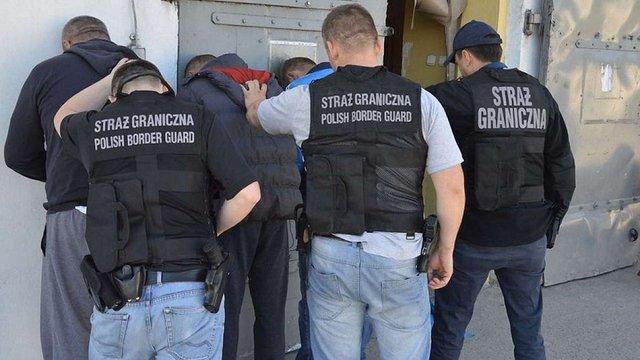 У Польщі викрили польсько-українську групу контрабандистів сигарет