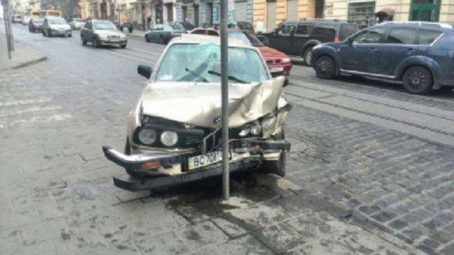 Поліція назвала вулиці у Львові з найбільшою кількістю ДТП
