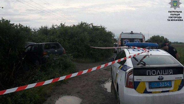 На Закарпатті патрульні зі стріляниною затримали викрадача автомобіля