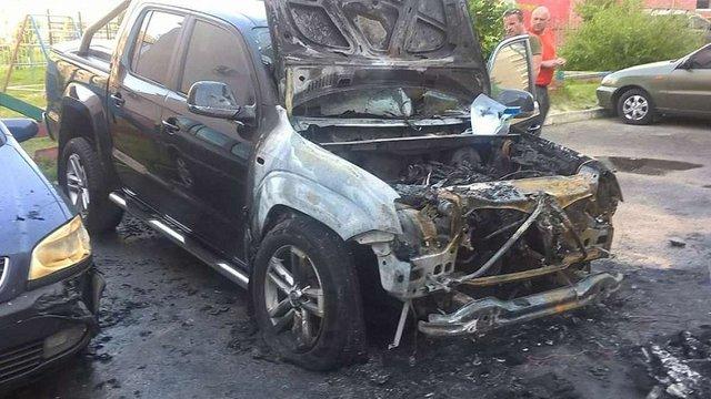 У Луцьку спалили автомобіль народного депутата Ігоря Лапіна