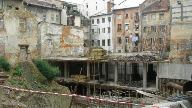Львівська мерія за ₴40,5 млн викупить недобудований готель у центрі міста