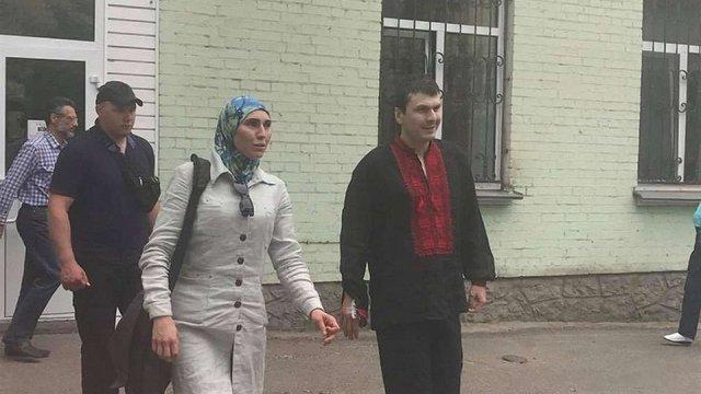 Добровольця Адама Осмаєва, якого намагався вбити російський кілер, виписали з лікарні